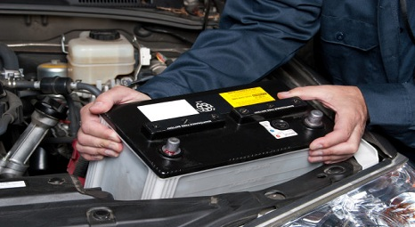 Car battery replacement isn't always as easy as it looks here, according to columnist Tim Grobaty. (Thinkstock / Getty Images)